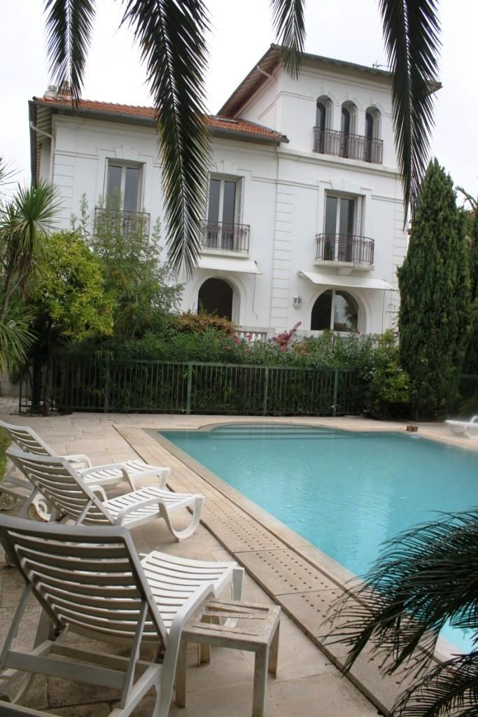 Vente hyeres centre villa victorienne de 330m avec jardin for Acheter maison porquerolles